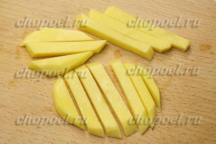 нарезали картошку соломкой